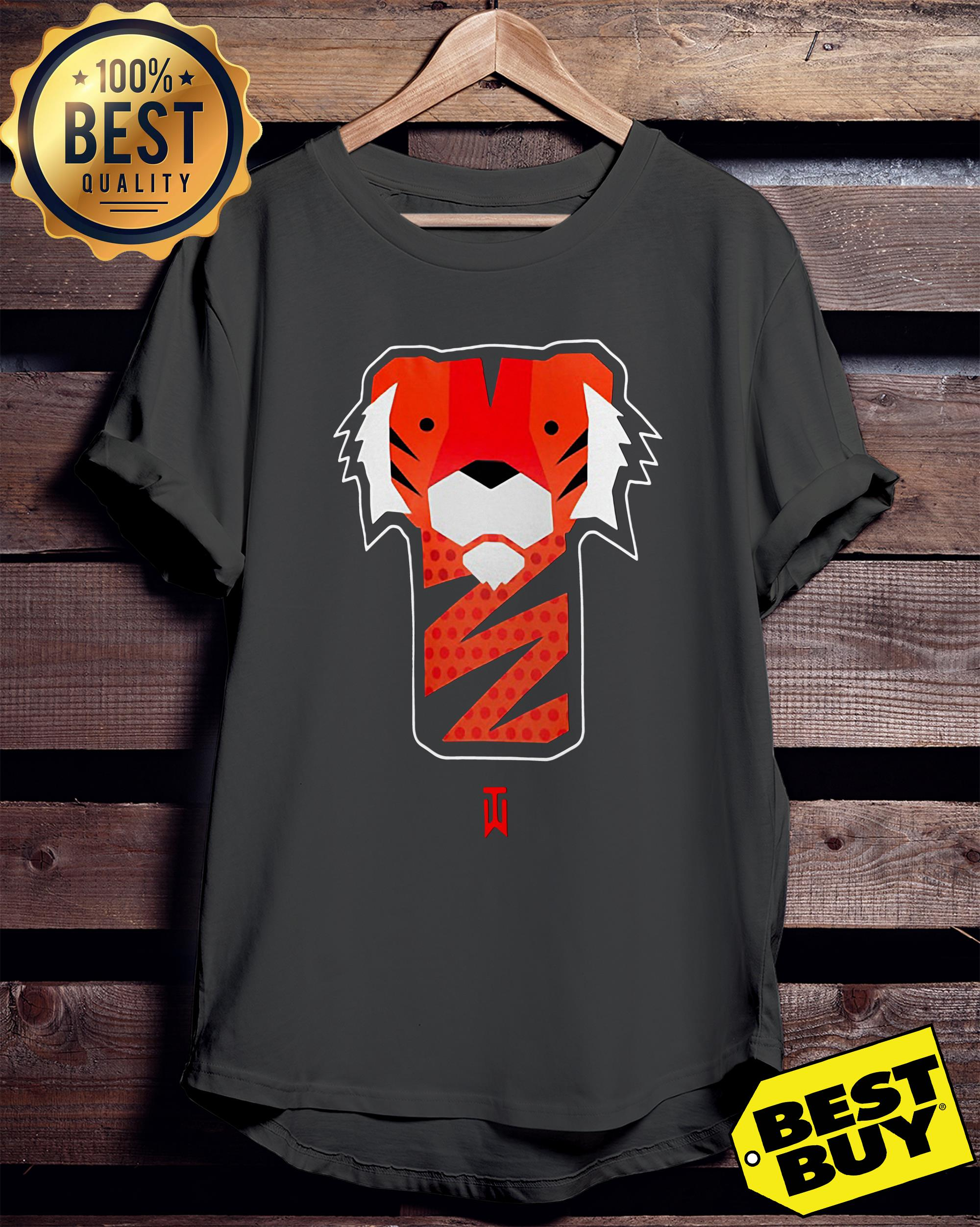 Tiger Woods ladies tee
