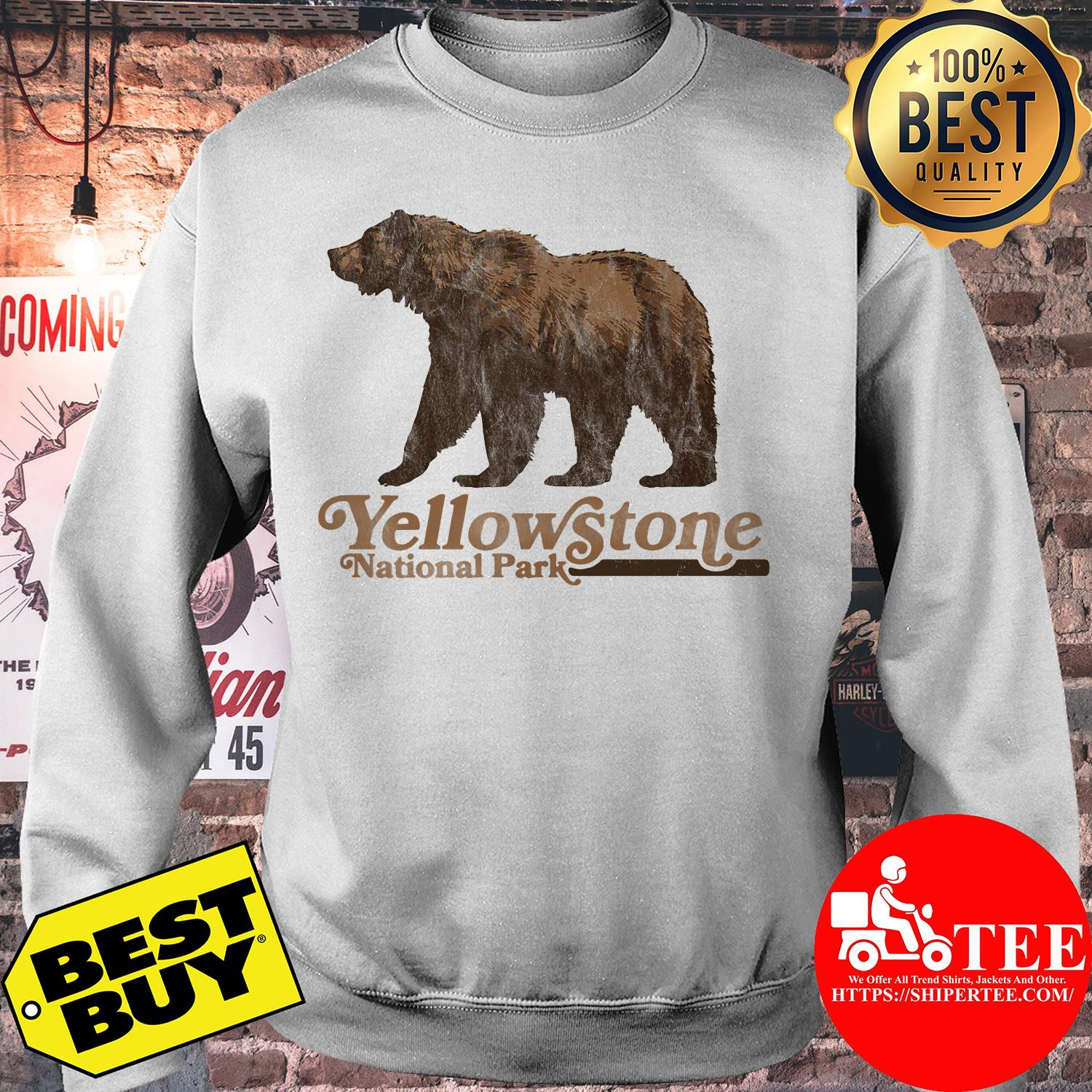 Vintage Yellowstone National Park Retro Grizzly Bear sweatshirt